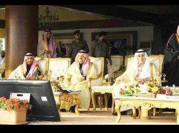 أمير الرياض خلال حضوره الحفل.
