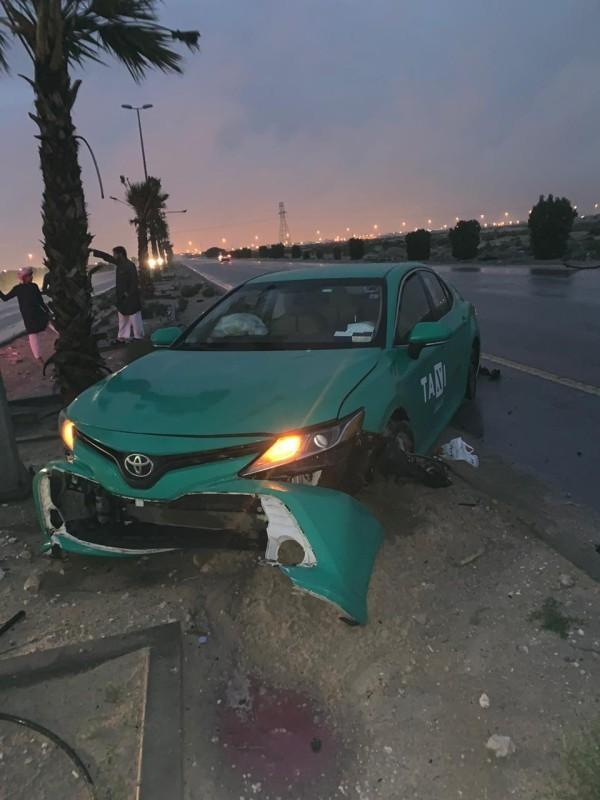 السيارة ويبدو عليها آثار الحادثة