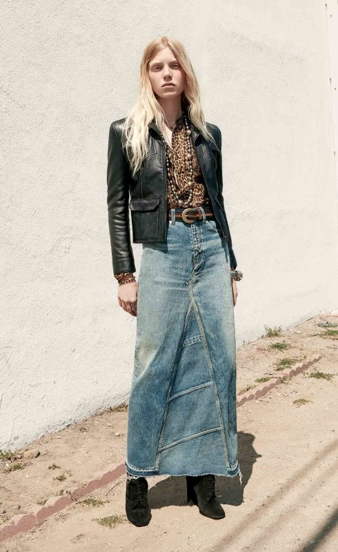 تنورة جينز مع جاكيت أنيق من الجلد الأسود