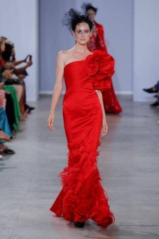 فستان حورية البحر من تصميم جورج شقرا