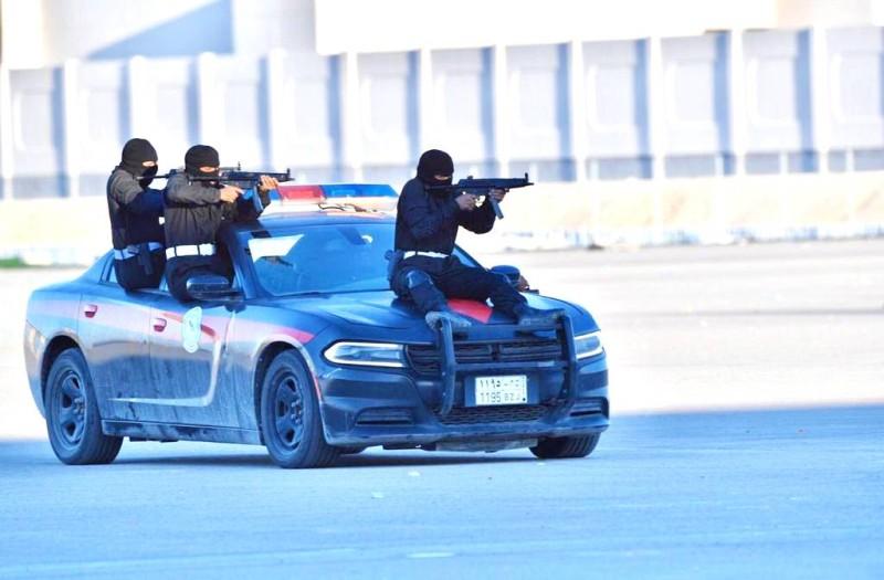 مهارات في مكافحة الإرهاب والتدخل السريع.