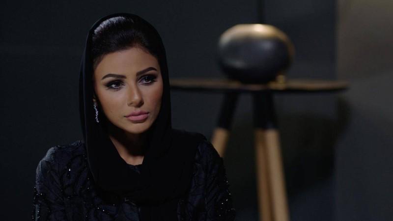 مشهد من مسلسل المنصة.