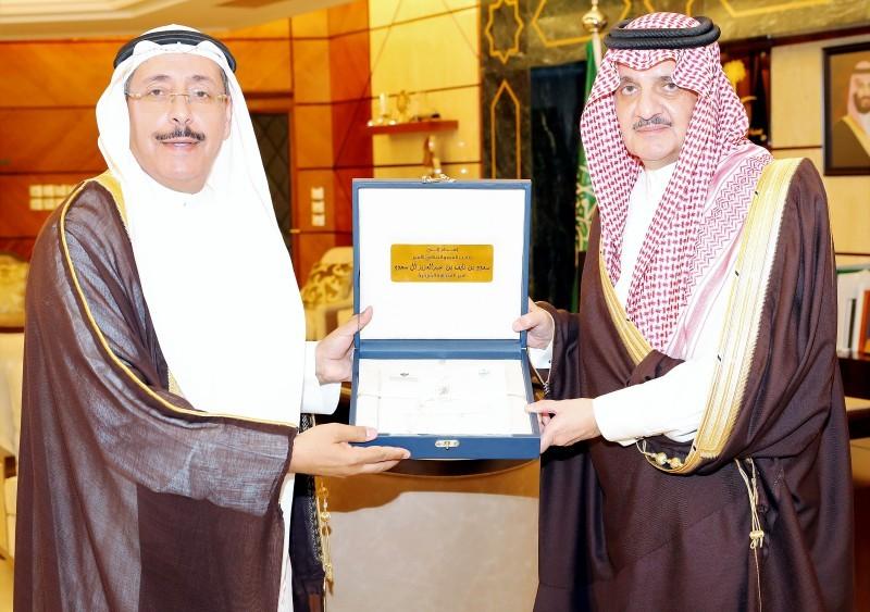 الأمير سعود بن نايف مستقبلاً الربيش.