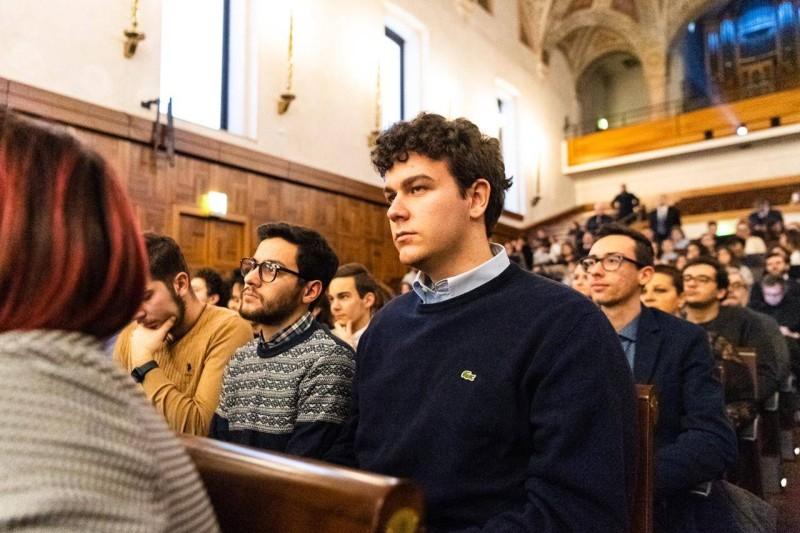 جانب من حضور طلبة الجامعة.