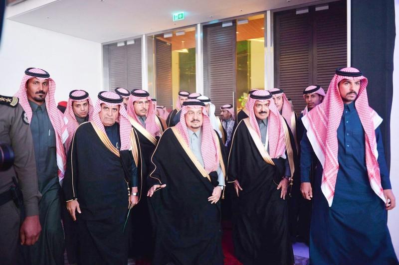 أمير الرياض مفتتحاً المنتدى. (واس)