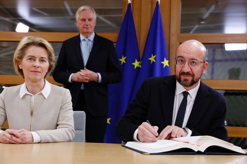 توقيع اتفاقية «بريكست»