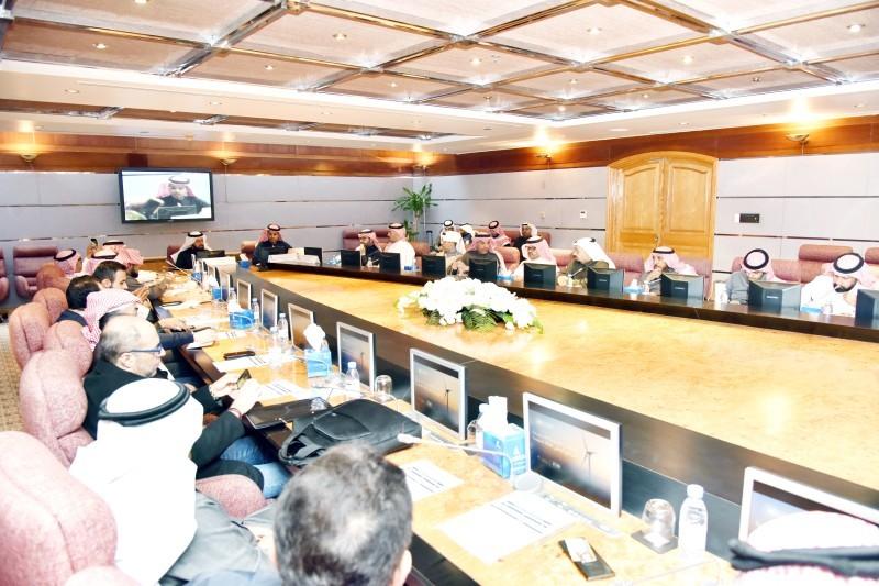 جانب من ورشة العمل التي عقدتها وزارة الطاقة أمس (الخميس).