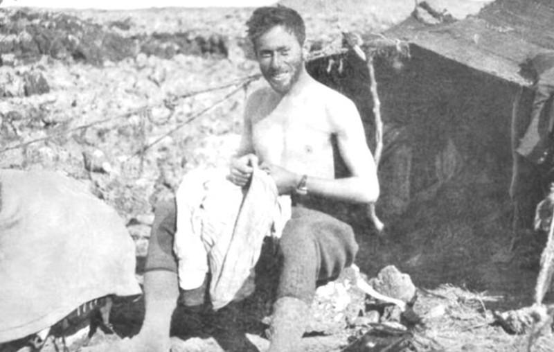 مفتي القدس محمد الأمين الحسيني خلال رحلة هروبه إلى برلين.