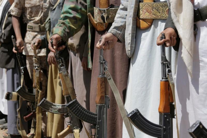 عناصر من مليشيا الحوثي في صنعاء