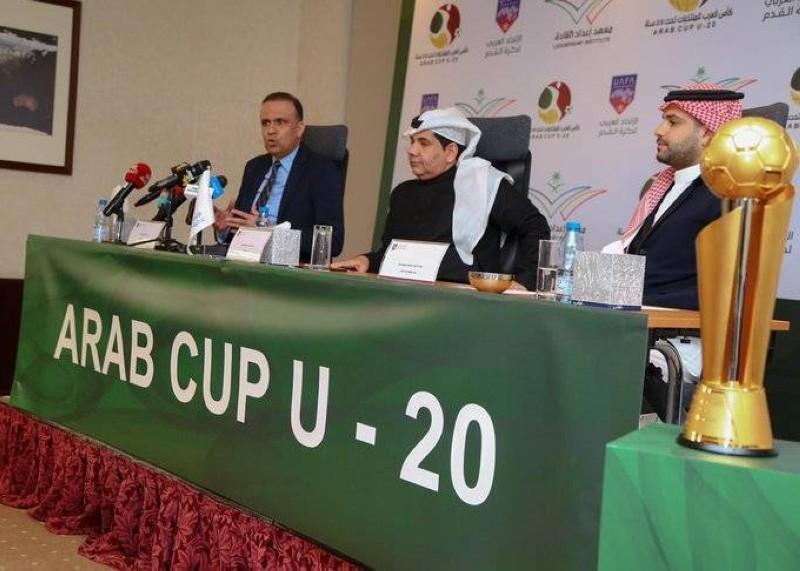 رجاءالله السلمي خلال مؤتمر اللجنة المنظمة لبطولة كأس العرب