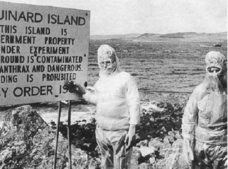 لافتة في جزيرة غروينارد تحظر الدخول للجزيرة حتى عام 1986 بسبب انتشار الجمرة الخبيثة.