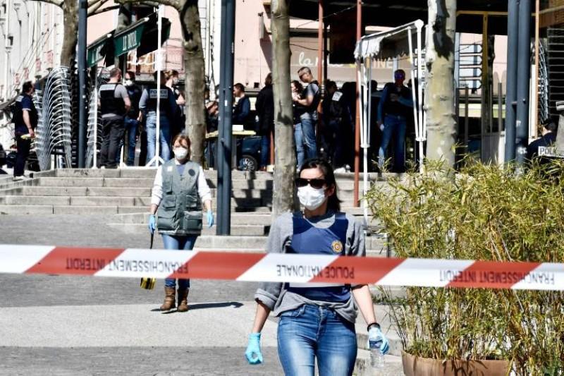 الشرطة الفرنسية تطوق موقع الحادثة جنوب شرق البلاد أمس. (وكالات)