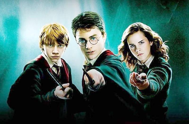 سلسلة هاري بوتر تحقق شعبية جارفة بين الأطفال.