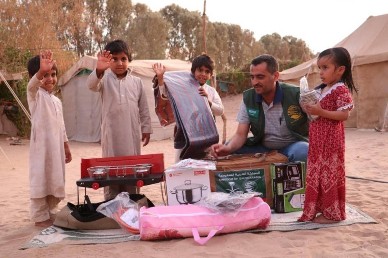 توزيع 250 حقيبة إيوائية استفاد منها 1,500 نازح في مأرب وصعدة.
