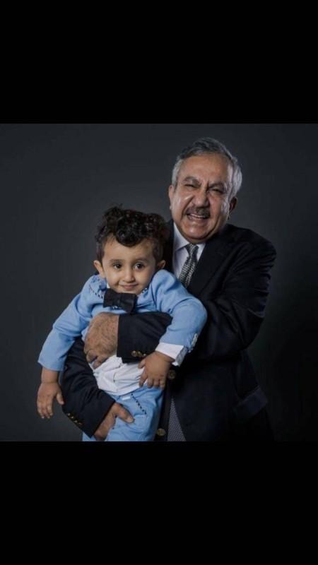 ..مع ابنه راكان