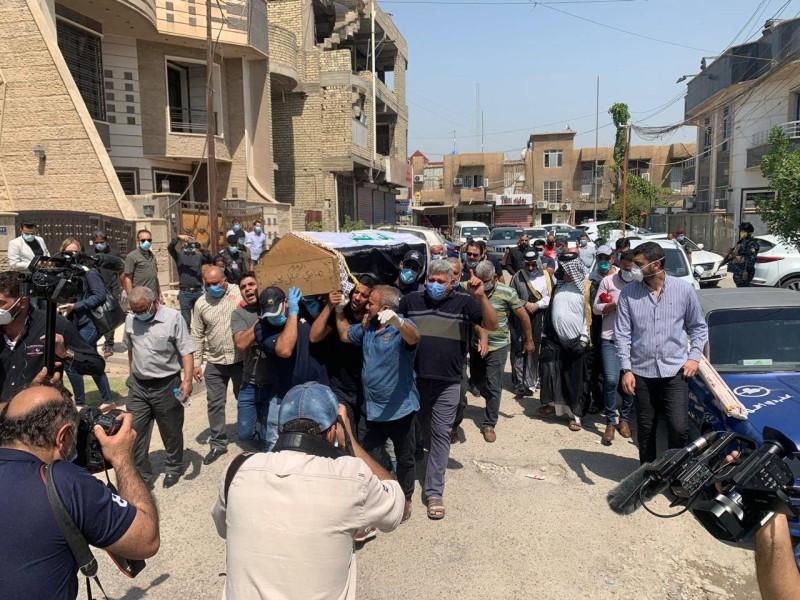 تشييع جثمان الخبير الامني هشام الهاشمي في بغداد
