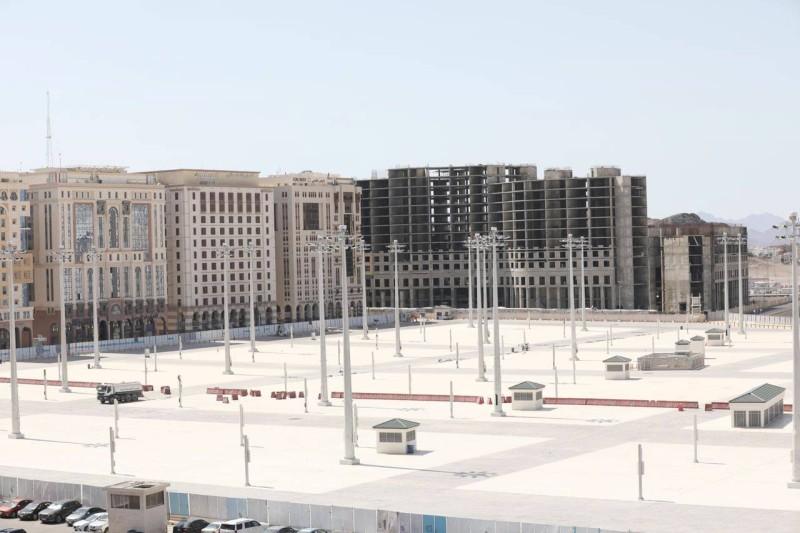 جانب من توسعة الساحات الغربية للمسجد النبوي كما بدت أمس.