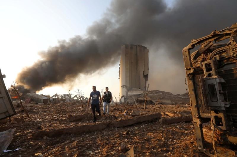 من انفجار مرفأ بيروت.