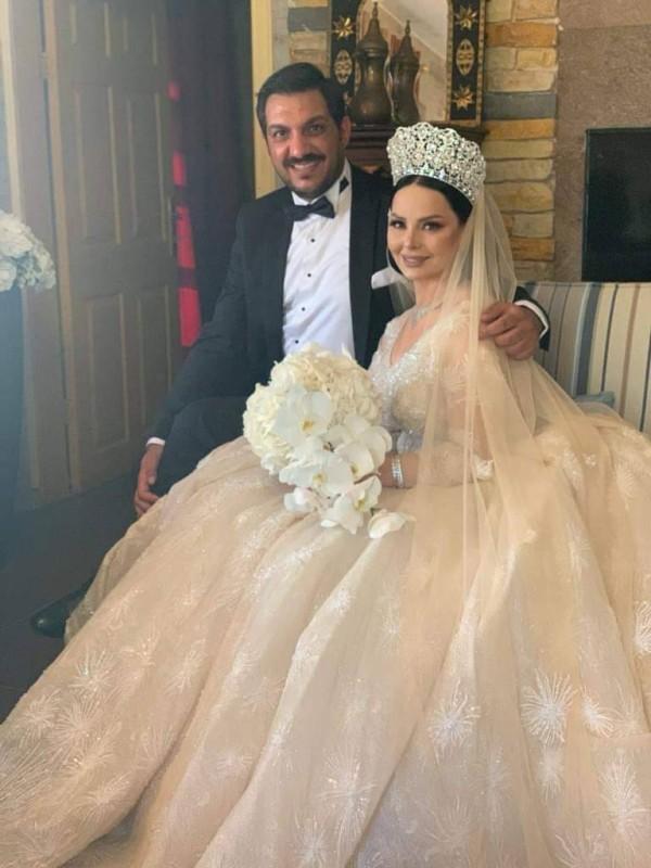 كرزون والعمري ليلة زفافهما.