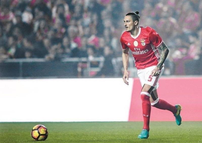 اللاعب الصربي فيجسا