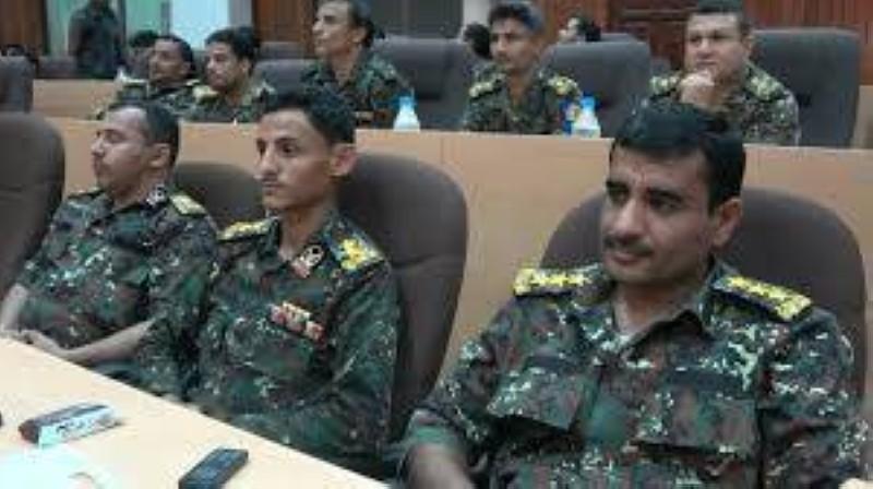 ضباط أمن يمنيون.