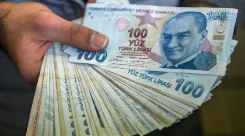 الليرة التركية في انهيار متواصل.