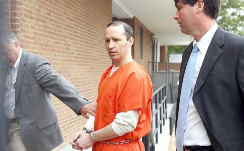 جيمس إيفيرت دوتشكي المتهم بمحاولة اغتيال الرئيس السابق باراك أوباما بسم الريسين.