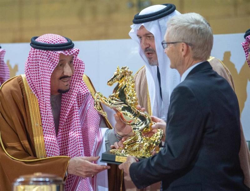 الفيصل يعلن تنظيم النسخة الثانية لسباق كأس السعودية