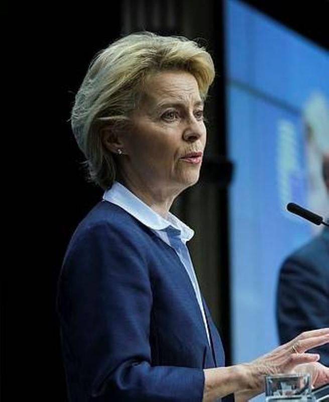 رئيسة المفوضية الأوروبية أورسولا فون ديرلين لا تزال في العزل الصحي.
