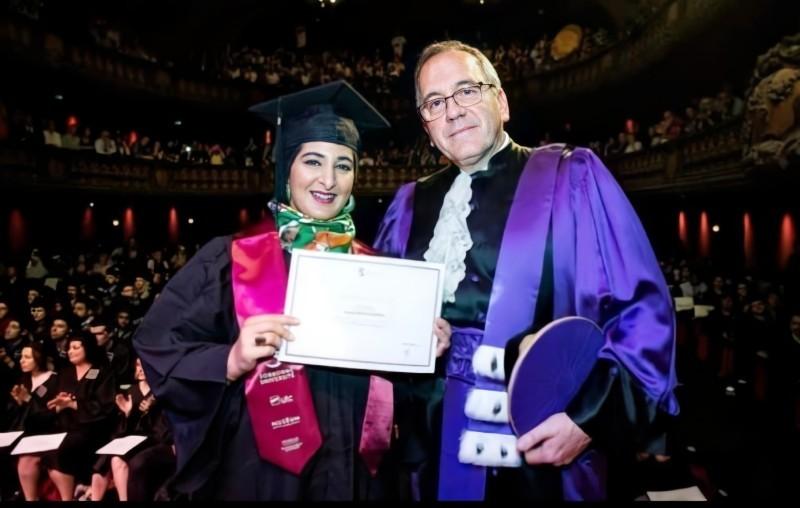 جنان في حفل حصولها على الدكتوراه عام 2015.