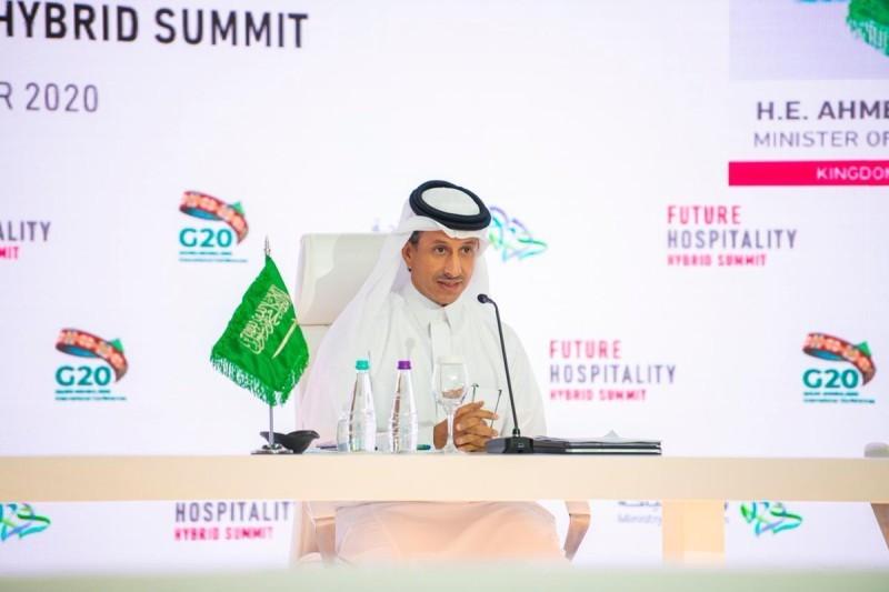وزير السياحة أحمد الخطيب
