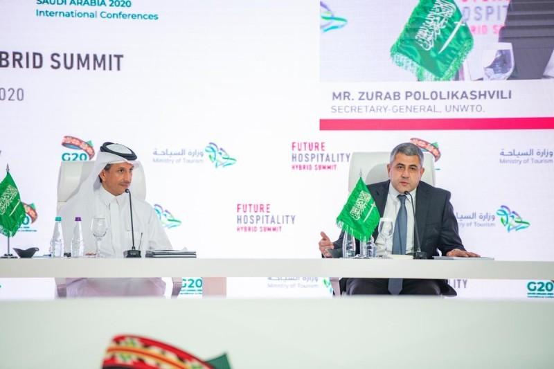 وزير السياحة أحمد الخطيب وأمين عام منظمة السياحة العالمية زوراب بولوليكاشفيلي.