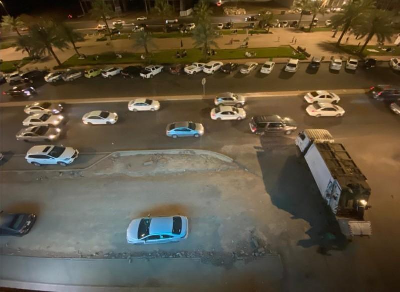 فقد نحو 700 سيارة مواقفها. (تصوير: ياسر الحربي)