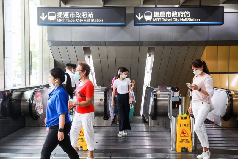 التزام السكان في تايوان بعادات مكافحة الأمراض. (بلومبيرغ)