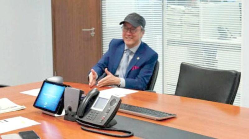 رئيس الجامعة الدكتور توني تشان
