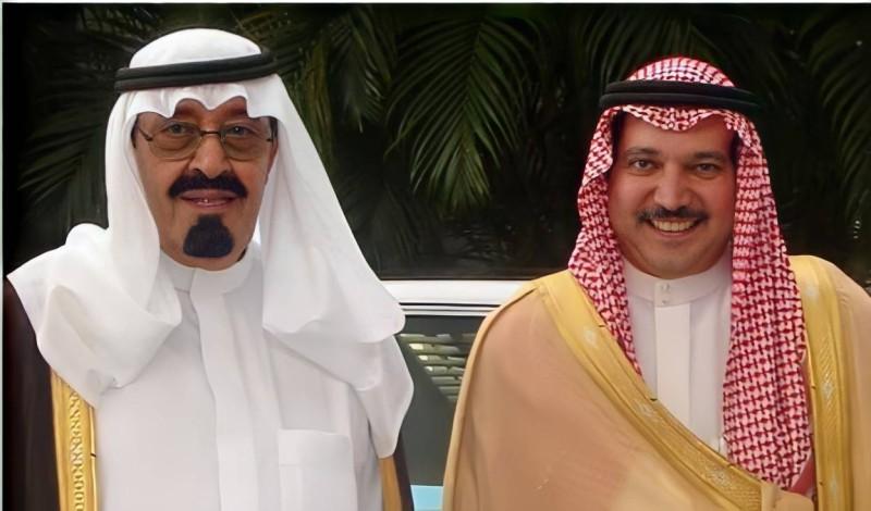 الملك عبدالله رحمه الله وخالد أحمد الجفالي.