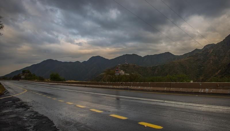 أمطار وانخفاض على درجات الحرارة اليوم الأحد.
