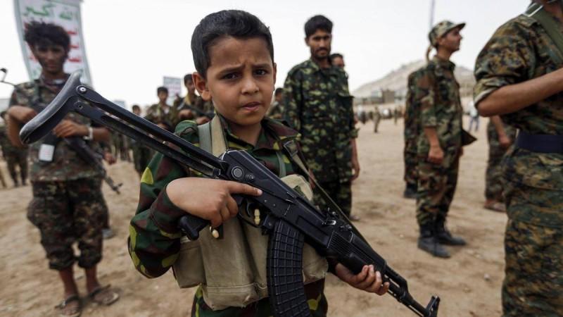 أطفال جندهم الحوثي