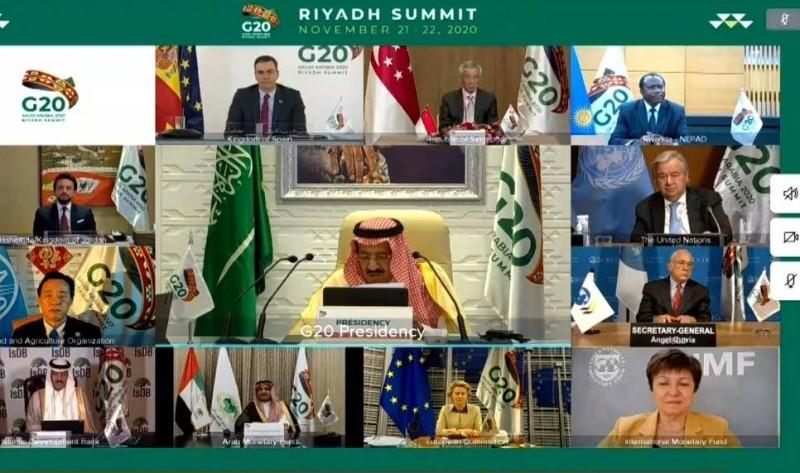 خادم الحرمين ملقيا كلمته في ختام قمة مجموعة العشرين
