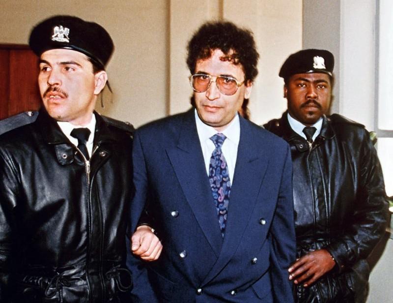 المقرحي معتقلا.