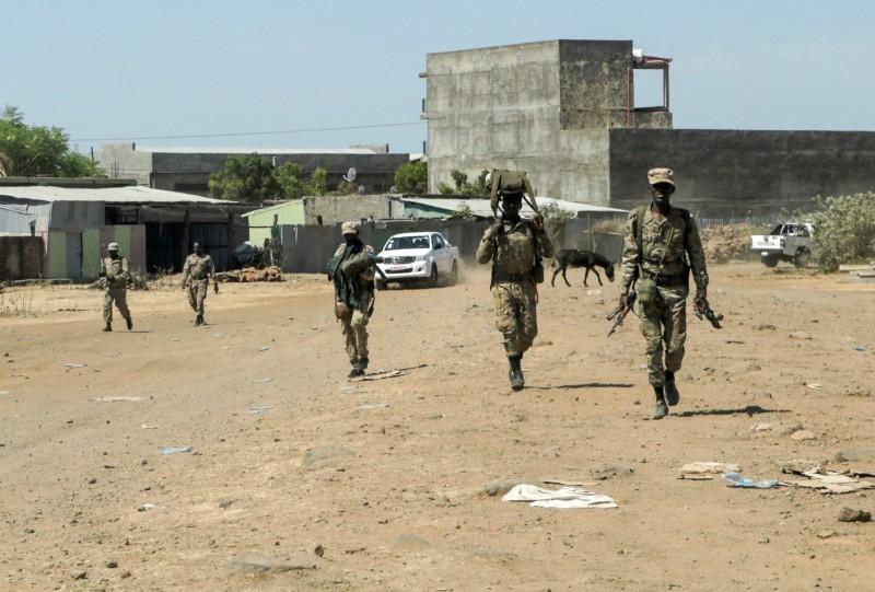 عناصر من قوات أمهرة تعود لقواعدها بعد قتالها إلى جانب الجيش الإثيوبي في تيغراي.