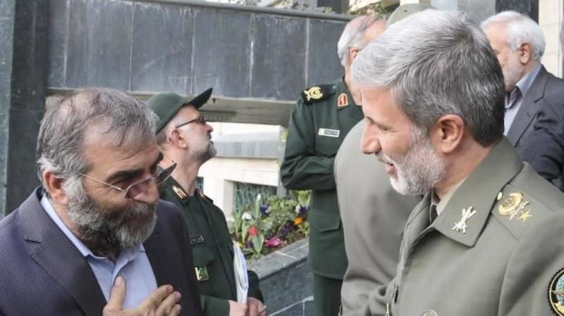محسن فخري زاده مع وزير الدفاع الإيراني أمير حاتمي