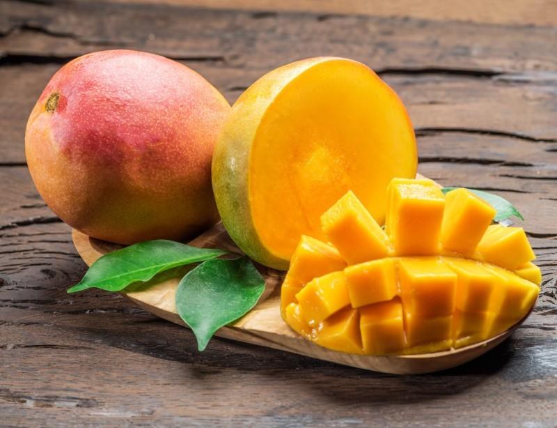فاكهة المانجو.