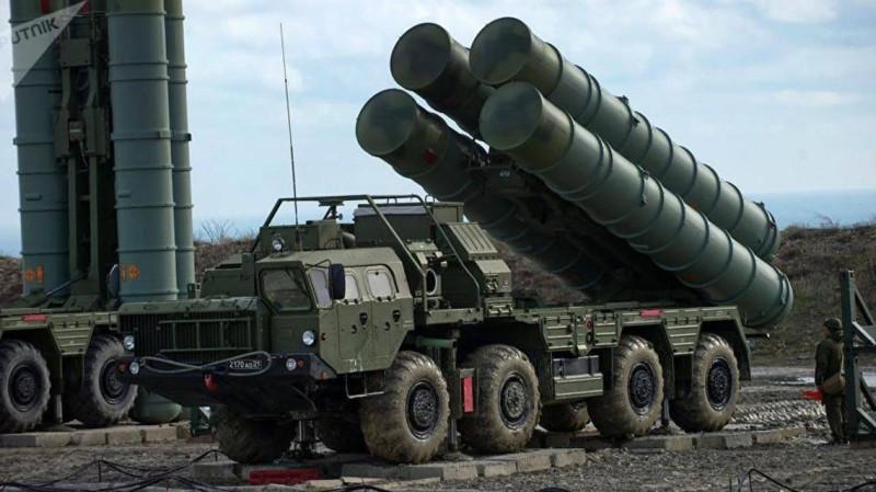 منظومة إس-400 الدفاعية الجوية الروسية.