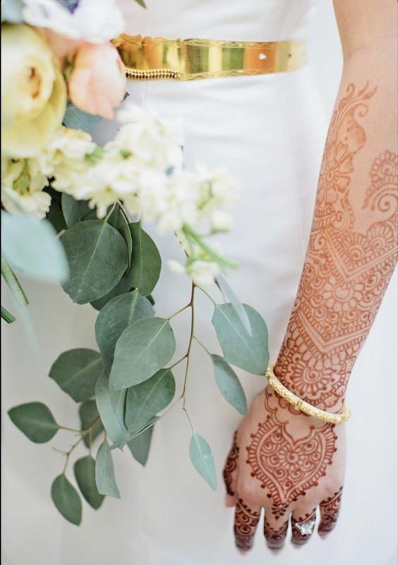 رسم نقوش الحناء يعود لطبيعة وستايل العروس.