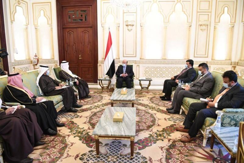 الرئيسي اليمني مستقبلا أمين عام مجلس التعاون الخليجي اليوم في الرياض.