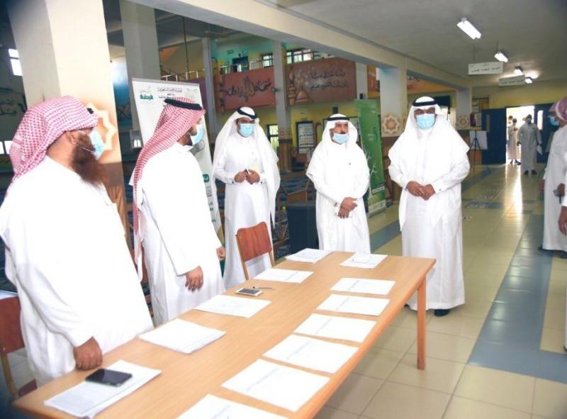 جانب من جولة مدير تعليم مكة على عدد من المدارس.
