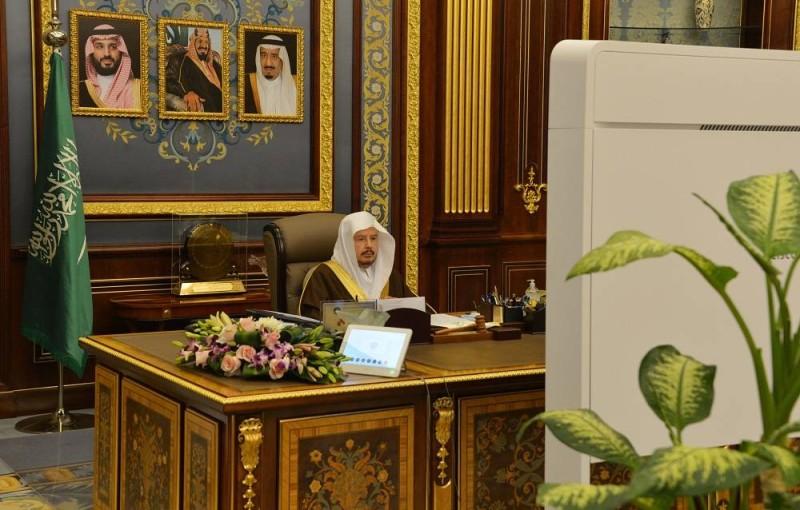 آل الشيخ مترئسا جلسة مجلس الشورى