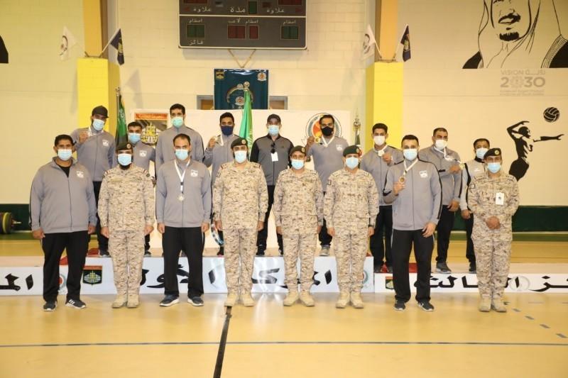 تتويج أبطال دورة الألعاب الرياضية لقوات الدفاع الجوي