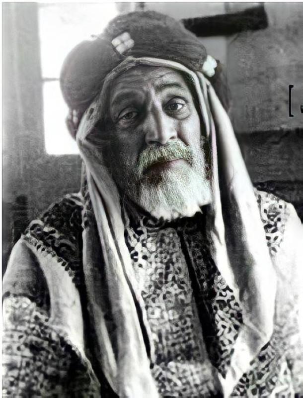 الشيخ مجبل بن عبدالرحمن الذكير الأسعدي العتيبي.
